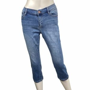 New York & Co. Cropped Jeans Light Wash Size 10